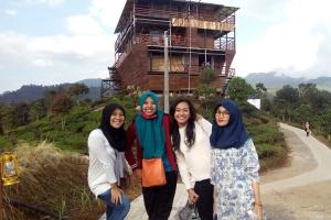 Wisata di Glamping Situ Patenggang