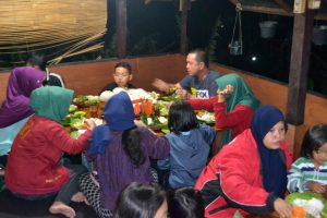 Dinner di Saung Punclut