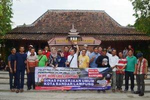 Transit di Resto Lokal Bandung