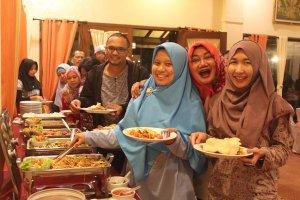 Dinner di Resto Rumah Kayu
